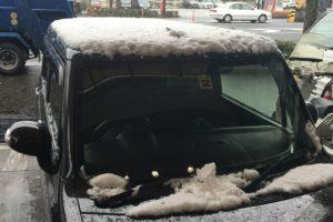 20160119車屋根雪