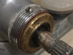 風呂場蛇口水漏れ修理